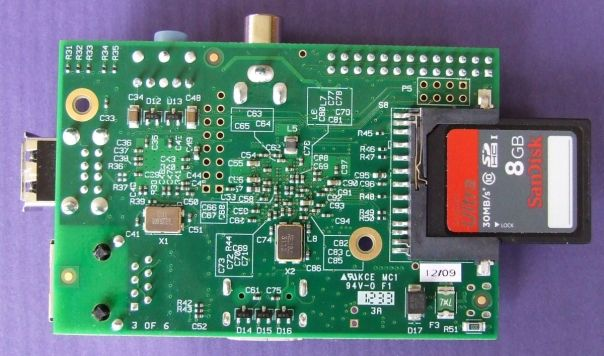 A view of the bottom of the Raspberry with the SD card in its socket